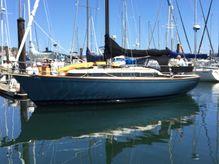 1977 Pearson 323 Sloop cruising sailboat