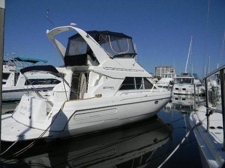 1997 Cruisers Yachts 3580 Flybridge