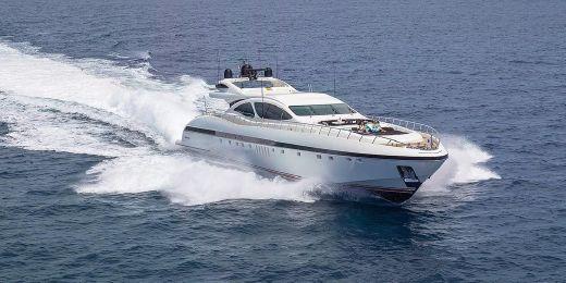 2004 Overmarine Mangusta 130