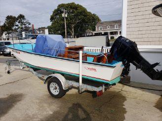 thumbnail photo 0: 2001 Boston Whaler 17 Montauk