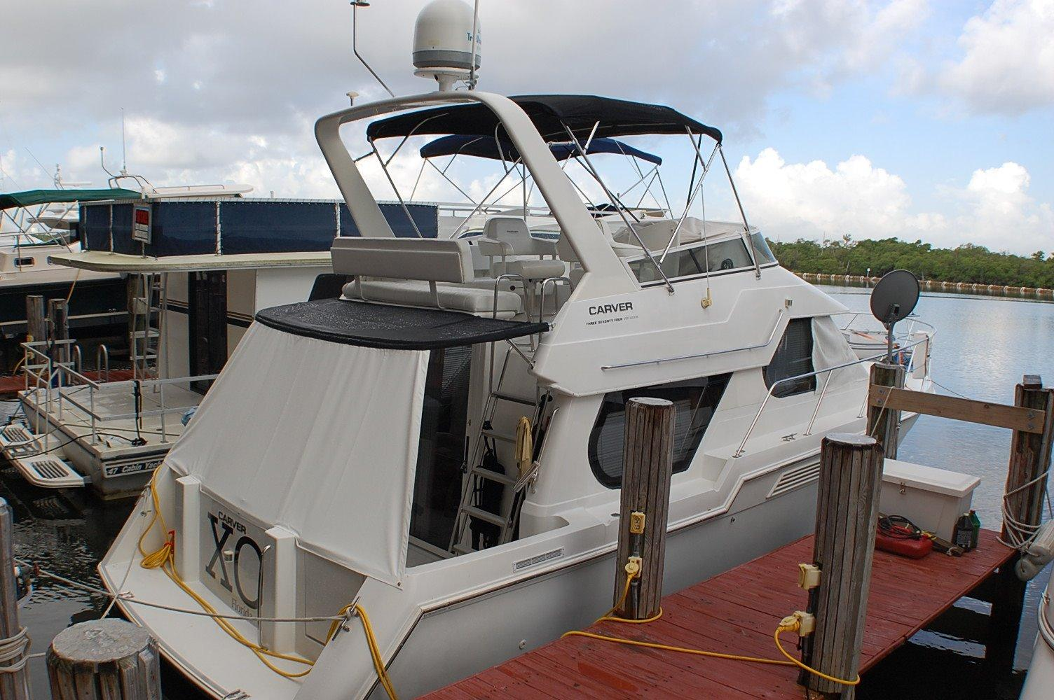 photo of  38' CARVER YACHTS 374 VOYAGER Diesel