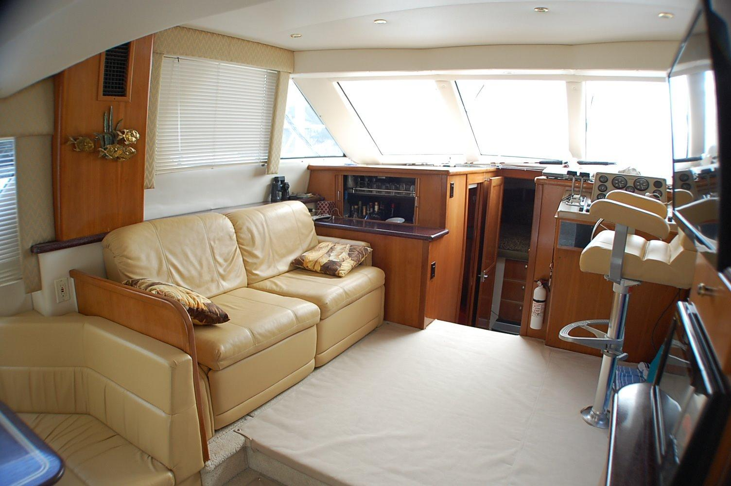 photo of  CARVER YACHTS 374 VOYAGER Diesel