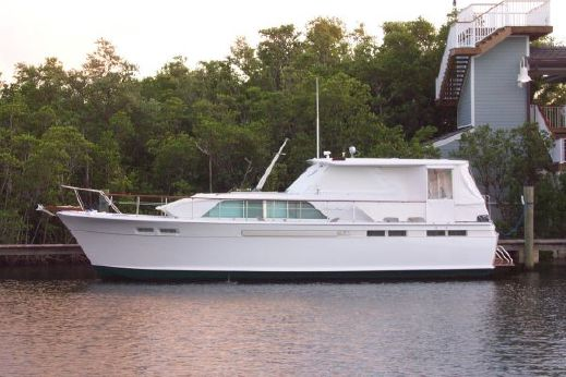 1970 Chris Craft Commander Flush Deck MY