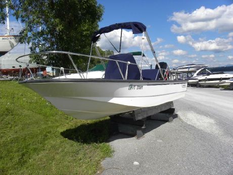2004 Boston Whaler Montauk 17 CC