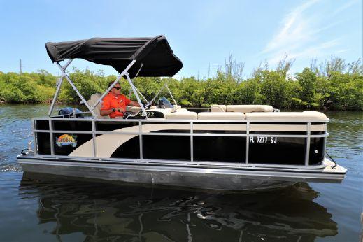 2015 Island Pontoon Boat 18/22
