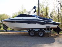 2004 Four Winns 230 Horizon