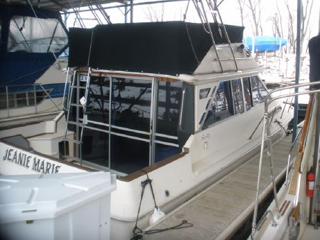 1985 Sea Ray 340 Sedan Bridge