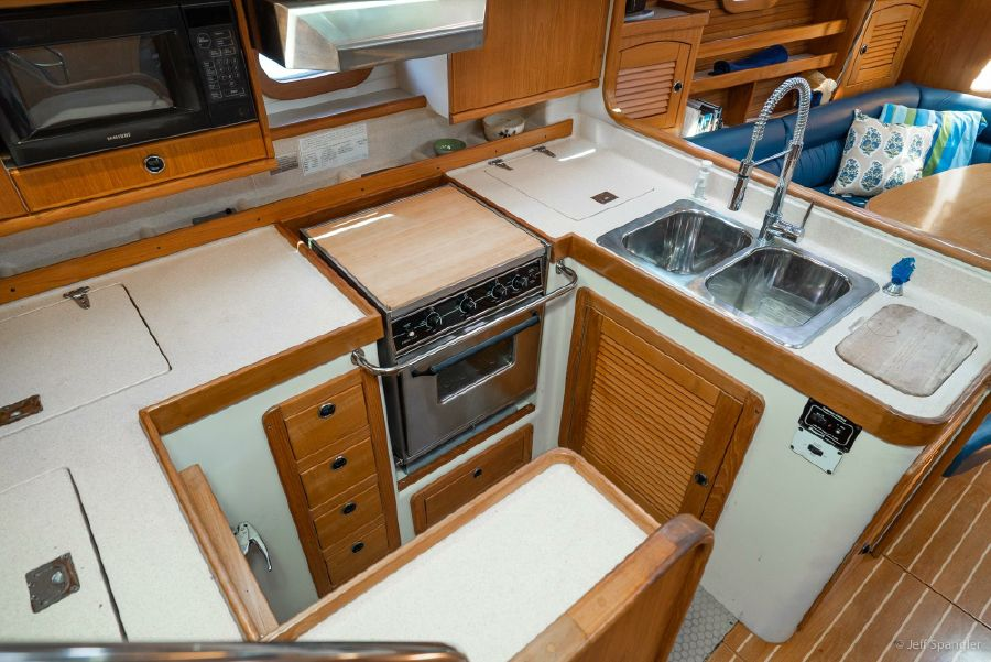 Catalina 470 Kitchen Galley