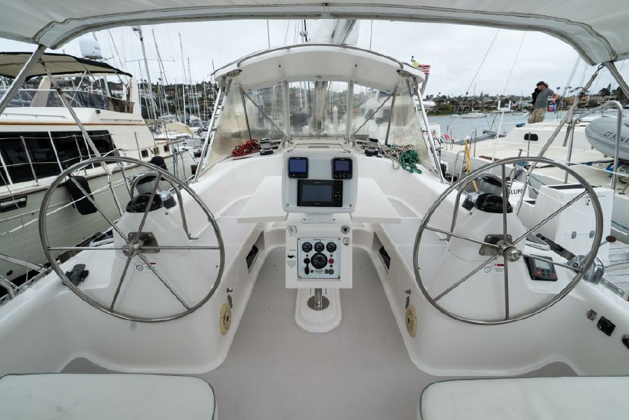 Catalina 470 Dual Helms