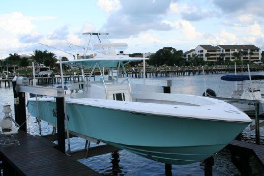 2010 Bahama 41 Center Console
