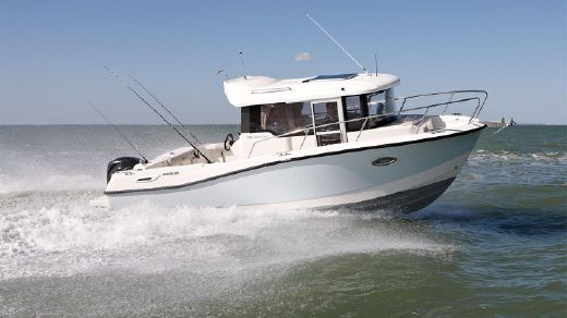 2014 Quicksilver Captur 755 Pilothouse