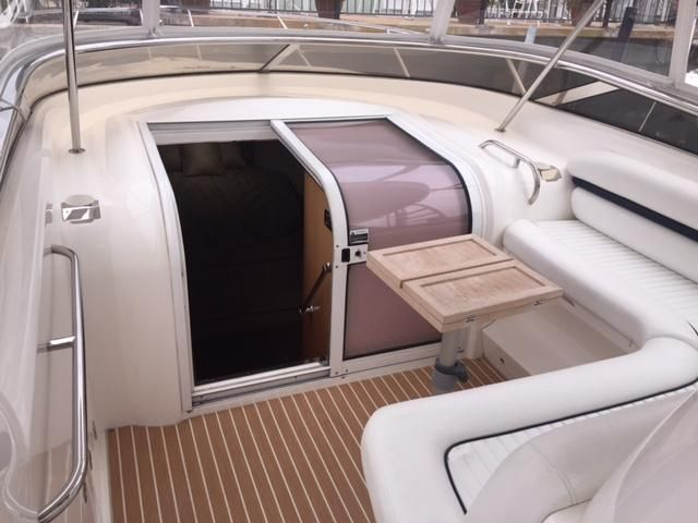 Sunseeker 37 Sportfisher Cockpit