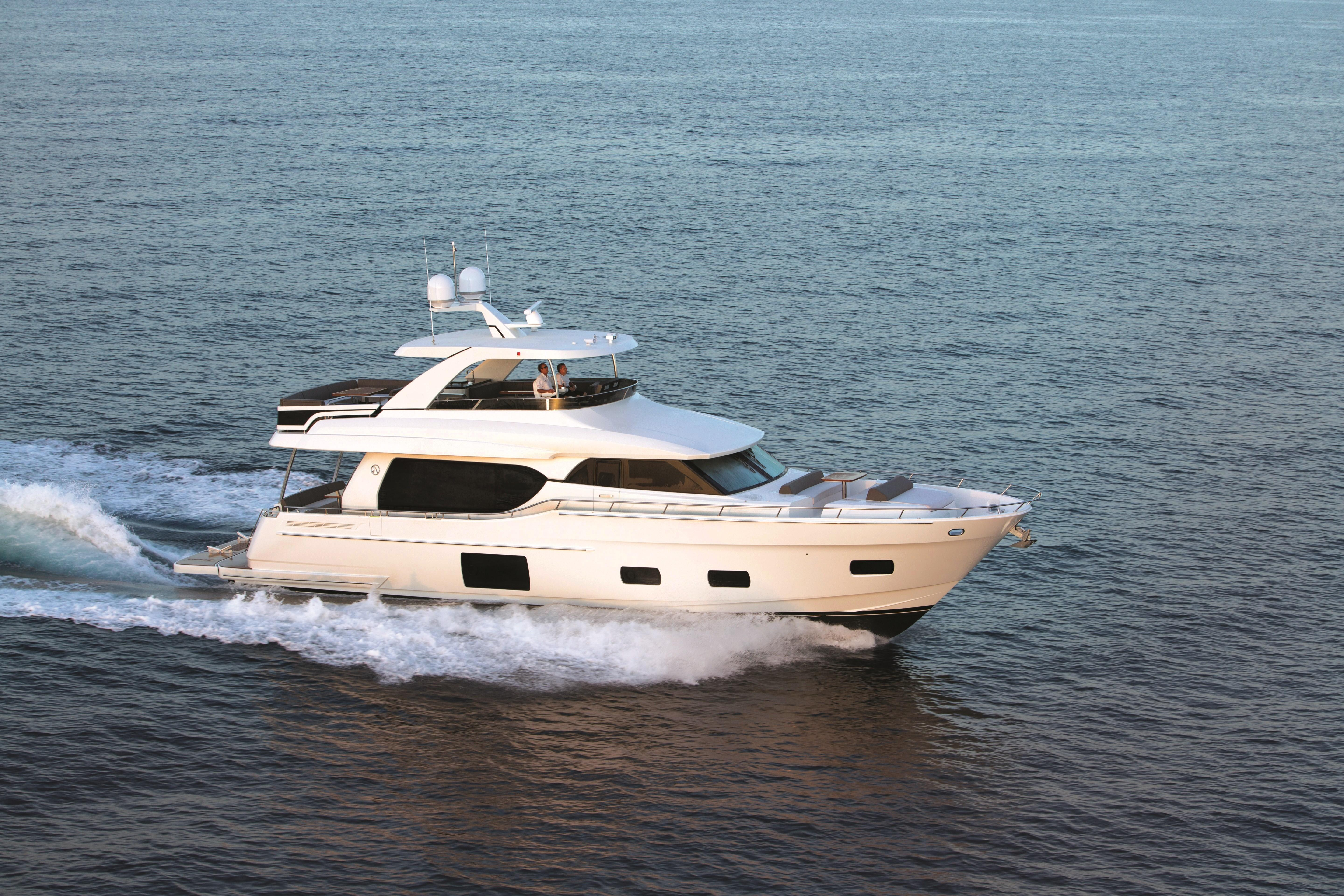 Work on luxury yachts: the flip side of the coin 49
