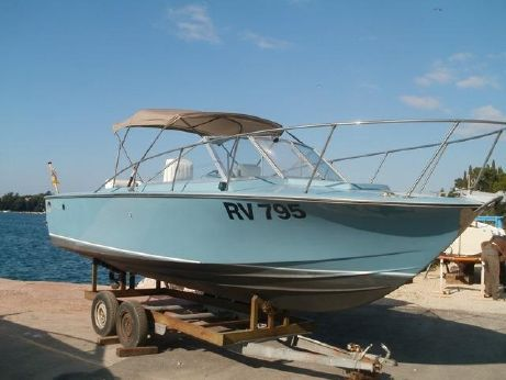 1969 Chris-Craft Commander 23