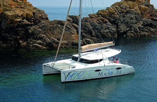 2015 Fountaine Pajot Mahe 36 Evolution