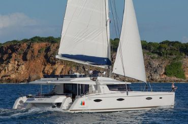 thumbnail photo 2: 2017 Fountaine Pajot Victoria 67
