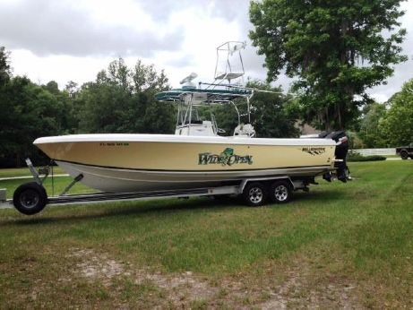 2005 Bluewater 2850 Center Console