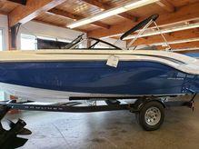 2019 Bayliner Deck Boat DX2050