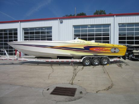 2001 Cigarette 38 TOP GUN