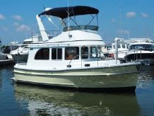 2015 Helmsman Trawlers 31 Sedan
