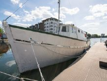 1935 Houseboat Conversion