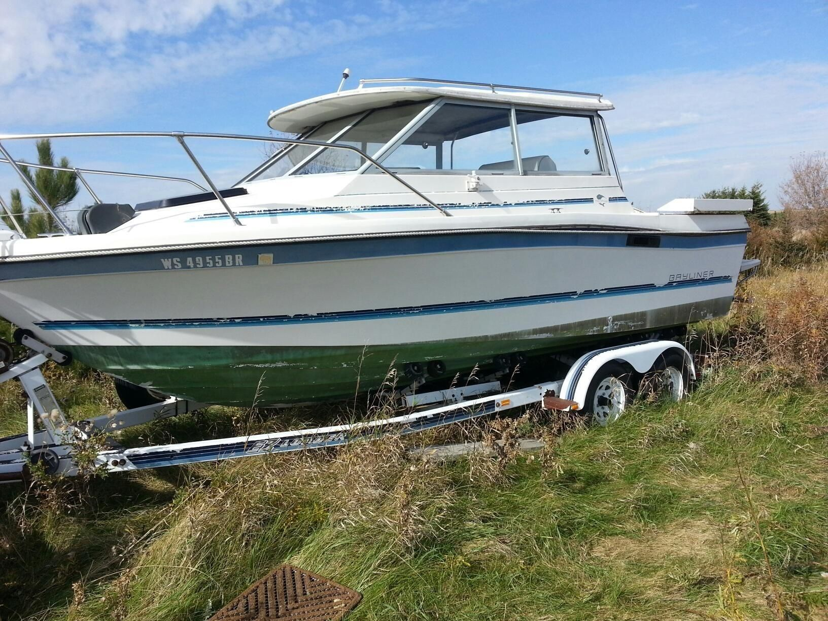 1988 bayliner trophy power new and used boats for sale for Used fishing boats for sale mn