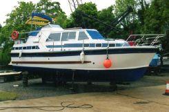 1997 Aquastar 33 Ocean Ranger