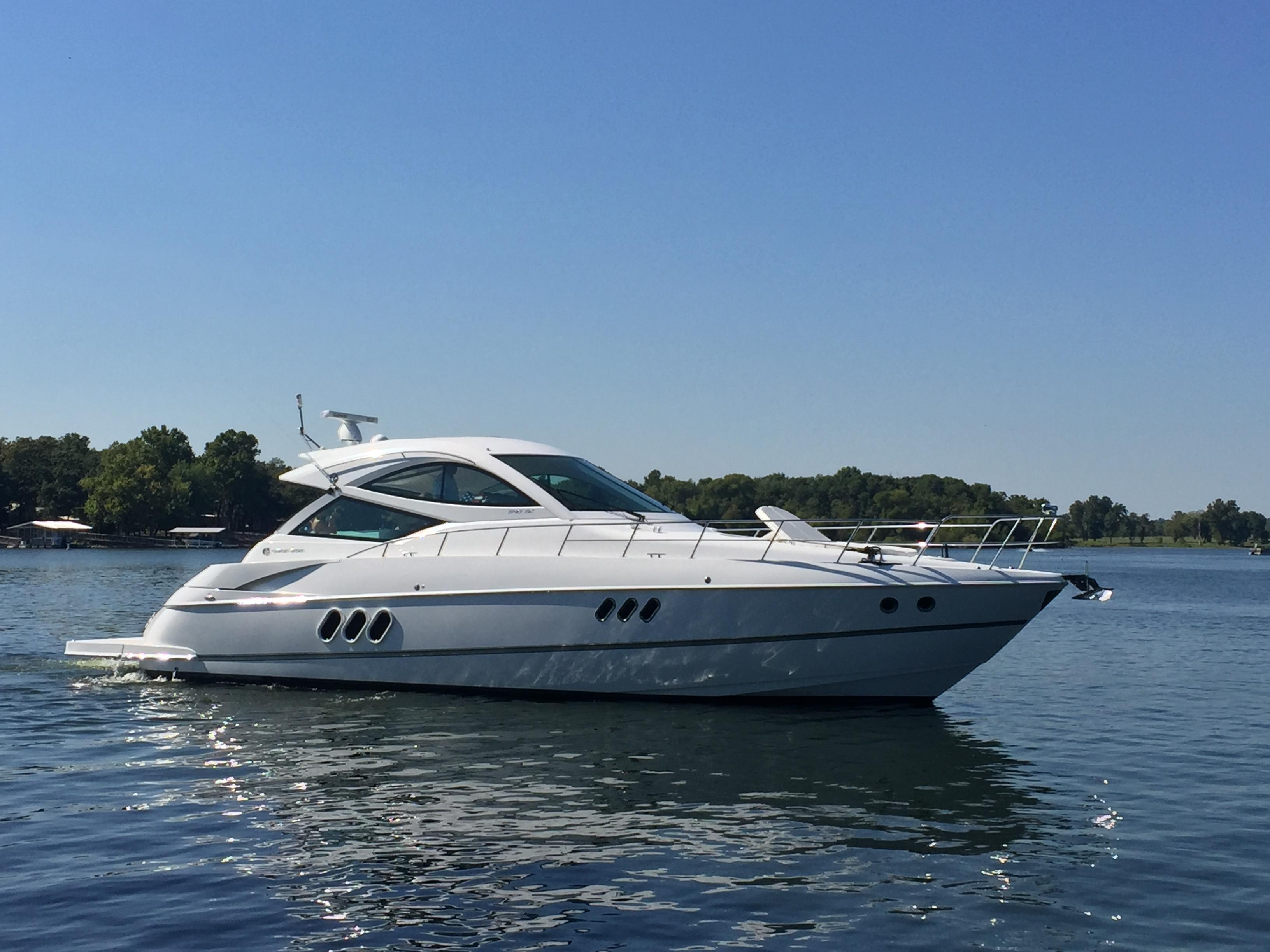 2016 Cruisers Yachts 540 Sports Coupe Power Boat For Sale