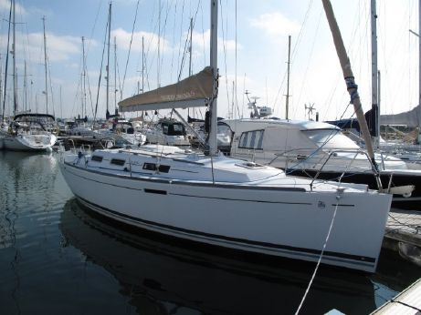2010 Dufour 325 Grand Large Adventure
