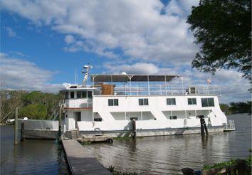 1977 Kelly House boat