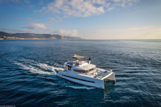 2017 Bali 4.3 Motor Yacht