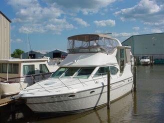2000 Maxum 4100 SCA Sport Yacht