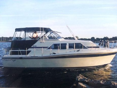 1980 Chris Craft 381 Catalina
