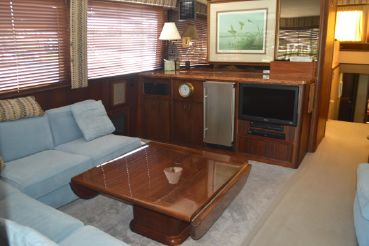 thumbnail photo 1: 1985 Hatteras Convertible with Tower