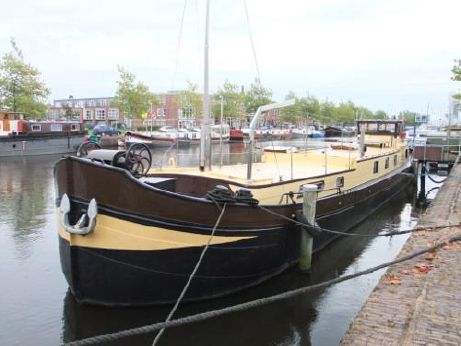 1931 Barge Live aboard