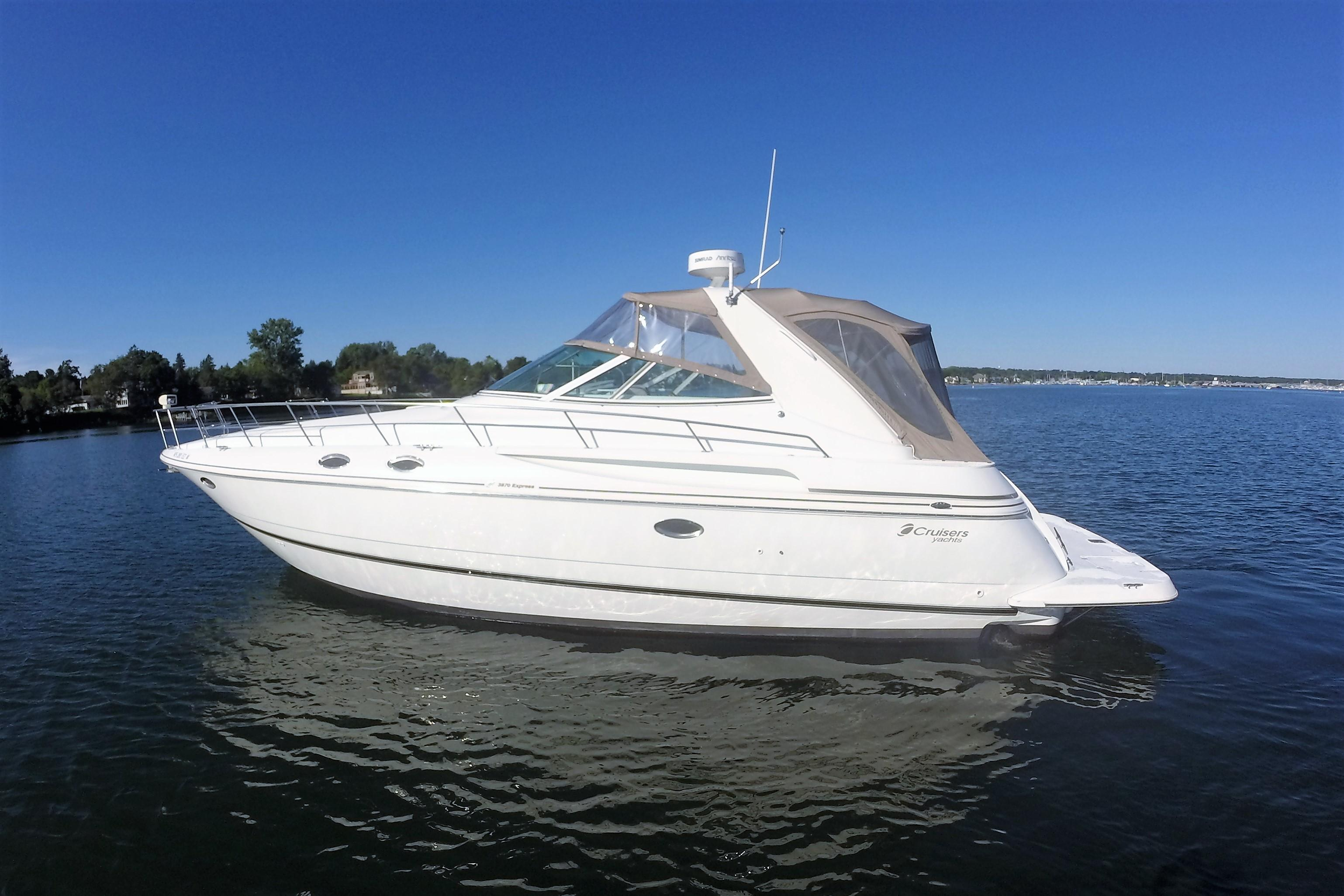 1998 Cruisers Yachts 3870 Esprit Power New And Used Boats For Sale