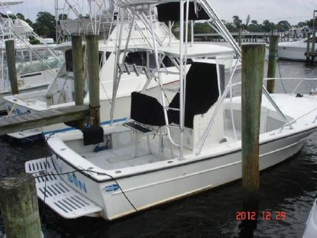 1998 Dusky 256 FCC Custom Inboard Diesel