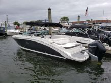 2019 Sea Ray SDX 270 Outboard