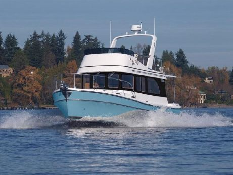 2017 Helmsman Trawlers 31 Sedan