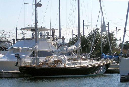 1975 Hinckley Bermuda 40