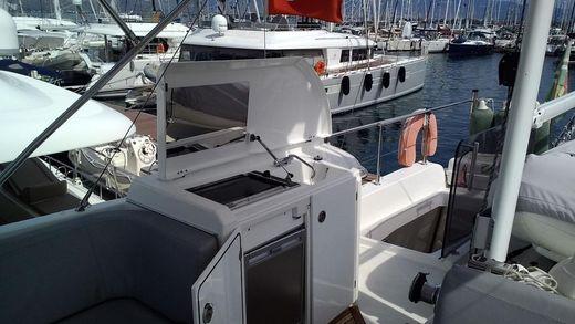 2012 Beneteau. Swift Trawler 44