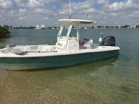 2012 Everglades 243 CC Bay Boat