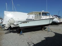 2010 May-Craft 2700 Pilothouse Cabin