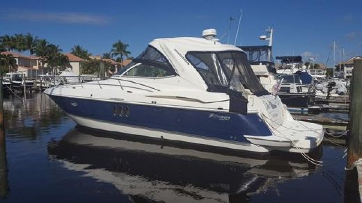 2006 Cruisers Yachts 420 Express IPS Diesel
