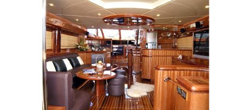 2016 Dyna Yachts D70