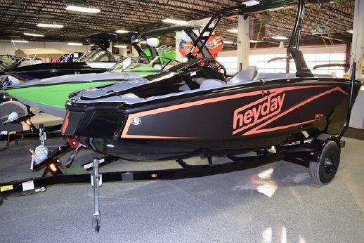 2017 Heyday Wake Boat WT-1