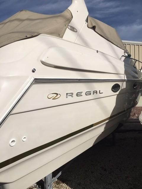 2000 Regal 2760 Commodore Power Boat For Sale - www.yachtworld.com on