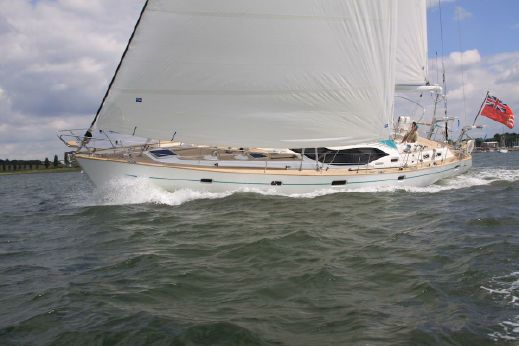 2010 Oyster 56 Deck Saloon