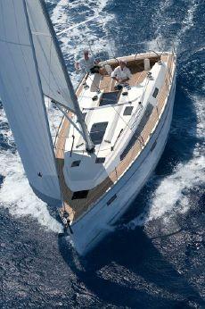 2013 Bavaria Cruiser
