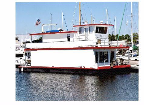 2010 Custom Houseboat Marquette Model